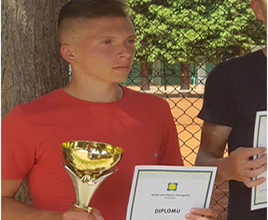 Luka Puljić prvak BiH u tenisu do 18 godina